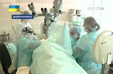 В Украине провели уникальную операцию по восстановлению слуха