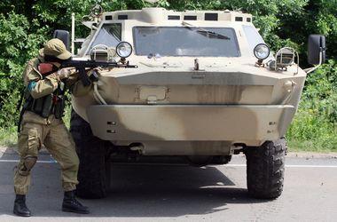 """Бойцы батальона """"Донбасс"""" попали в засаду террористов, идет перестрелка"""