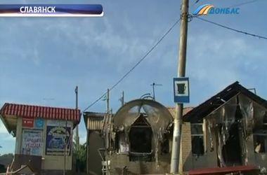 Под Славянском возобновились перестрелки и артобстрелы: снаряды попадают в жилые дома