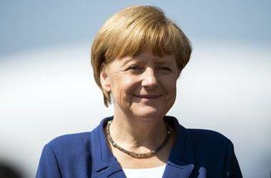 Путину трудно смириться и отпустить Украину - Меркель