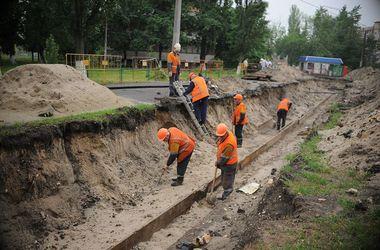 В Киеве заменили более трех км труб изношенных теплосетей