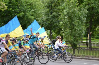 """Украина превыше всего!"": в Николаеве митингуют за единство"