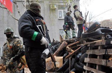 В Артемовске боевики захватили исполком и установили на входе пулемет