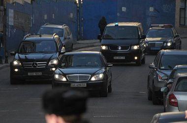 Семерак пригласил иностранцев участвовать в аукционе по продаже правительственных автомобилей