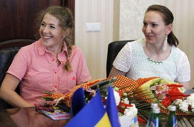 Биатлонистки Юлия Джима и Елена Пидгрушная получили ордера на квартиры