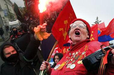 """В Донецке собрали митинг против """"бандеровских выборов"""". Онлайн-видео."""