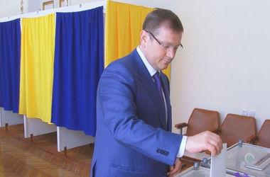 Как голосовали днепропетровские VIP-персоны