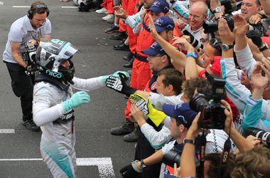 Нико Росберг выиграл Гран-при Монако и возглавил зачет пилотов