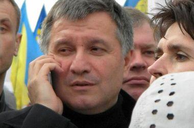 Военные отбили атаку террористов на избирательный участок в Луганской области, есть жертвы - Аваков