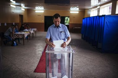 За границей уже проголосовали более 53 тысяч избирателей