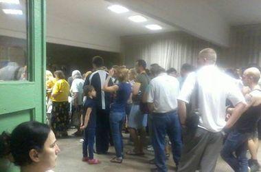 В Киеве после полуночи все еще голосуют