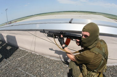 Донецкий аэропорт зачищают при помощи штурмовой авиации
