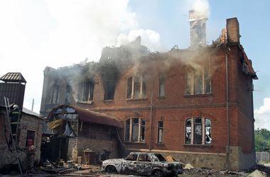 """События в Донбассе: у сепаратистов нехватка """"кадров"""", а Порошенко заявляет, что огонь необходимо прекратить на этой неделе"""