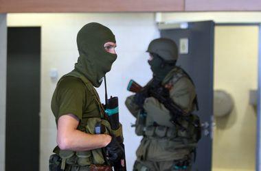 ЧП на ж/д вокзале в Донецке: людей задело осколками