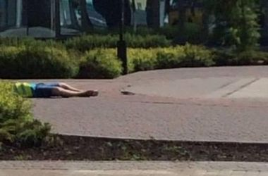 Убитый мужчина на вокзале в Донецке оказался парковщиком