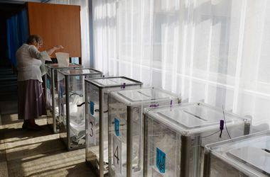 В Киевраду проходит пять партий, в мэрской гонке лидирует Кличко