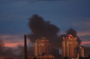 Дым с Донецкого аэропорта надвигается на город