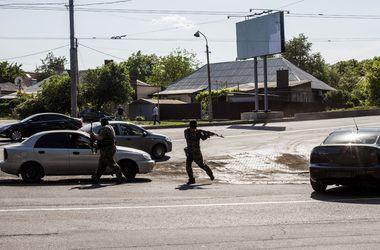 В Донецке снаряды попали в жилые дома и детсады - очевидцы