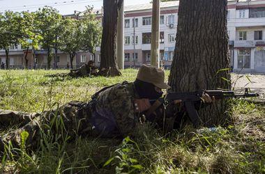 """В Донецке под обстрел попала бригада """"скорой помощи"""""""