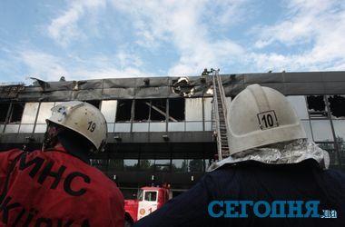"""Как в Донецке тушили пожар на ледовой арене """"Дружба"""""""