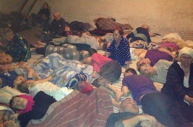 ФОТОФАКТ. В больнице под Славянском больные ночуют в подвалах
