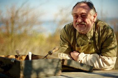 На могиле Богдана Ступки появится бронзовый дуб весом в тонну