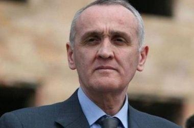 Президент Абхазии согласился отправить в отставку правительство