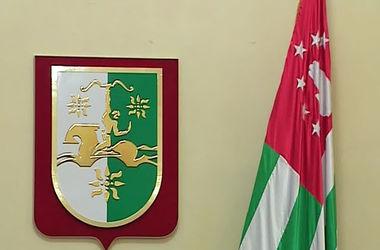 Оппозиция в Абхазии заявляет, что берет власть в свои руки