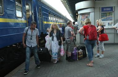 Количество поездов в Крым сократится вдвое