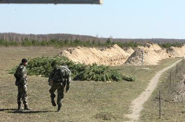 Граница с РФ: Не хватает рвов и колючей проволоки
