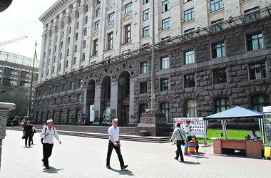 Кто проходит в Киевраду: управлять столицей будут миллионеры, застройщики и люди Черновецкого