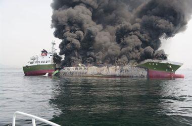 В японском порту взорвался танкер