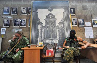 Кто и за что воюет в Донбассе (инфографика)