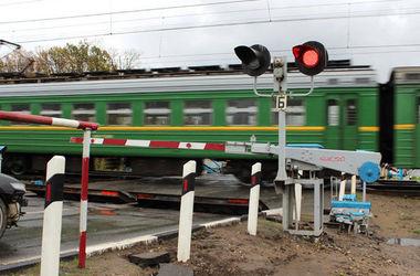 В Киевской области микроавтобус попал под поезд