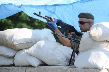 """Из """"горячих точек"""" Донбасса люди бегут с грудными детьми и хотят лишь одного – мира"""