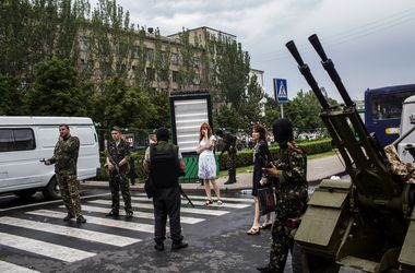 В Донецке похищают людей и авто, стреляют и находят на улицах тела неизвестных