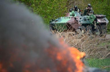 В Луганской области боевики штурмуют погранотряд Дьяково