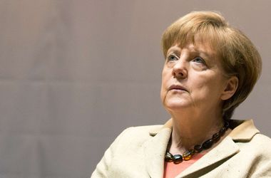 Кэмерон пригрозил Меркель выходом Великобритании из ЕС