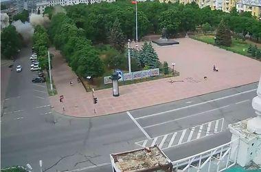 В сети появилось видео взрыва в Луганской ОГА