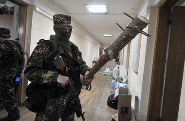 В Луганске террористы врываются в квартиры и берут луганчан в заложники – Бригинец