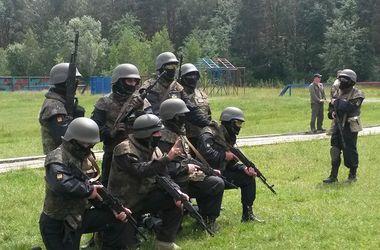 """Как тренируются бойцы батальона """"Донбасс"""" и Национальной гвардии"""