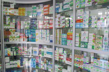 """Крымские аптеки хотят заполнить """"дешевыми"""" российскими лекарствами"""