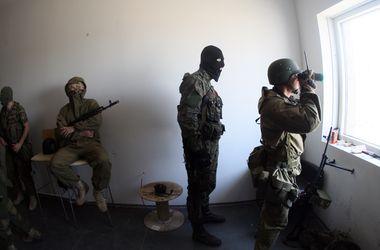 Террористы в Луганске ведут гранатометный огонь из жилых домов
