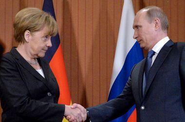 Путин начал закрытую встречу с Меркель