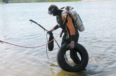 Редкие профи: грязная работа водолазов