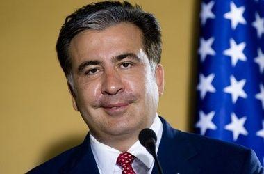 Саакашвили пожал людям руки на Софиевской площади