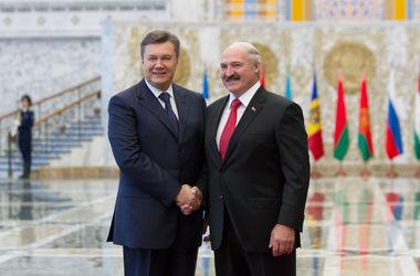 Лукашенко готов помочь украинцам вернуть Януковича: пусть он будет у вас
