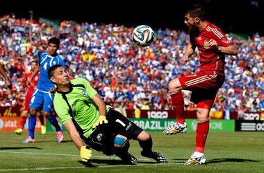 Дубль Давида Вильи принес победу Испании над Сальвадором
