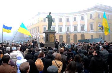Одесситы попросили Порошенко не признавать результаты выборов мэра