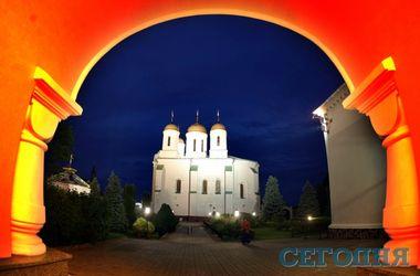 По святым местам: что прячут стены зимненской обители